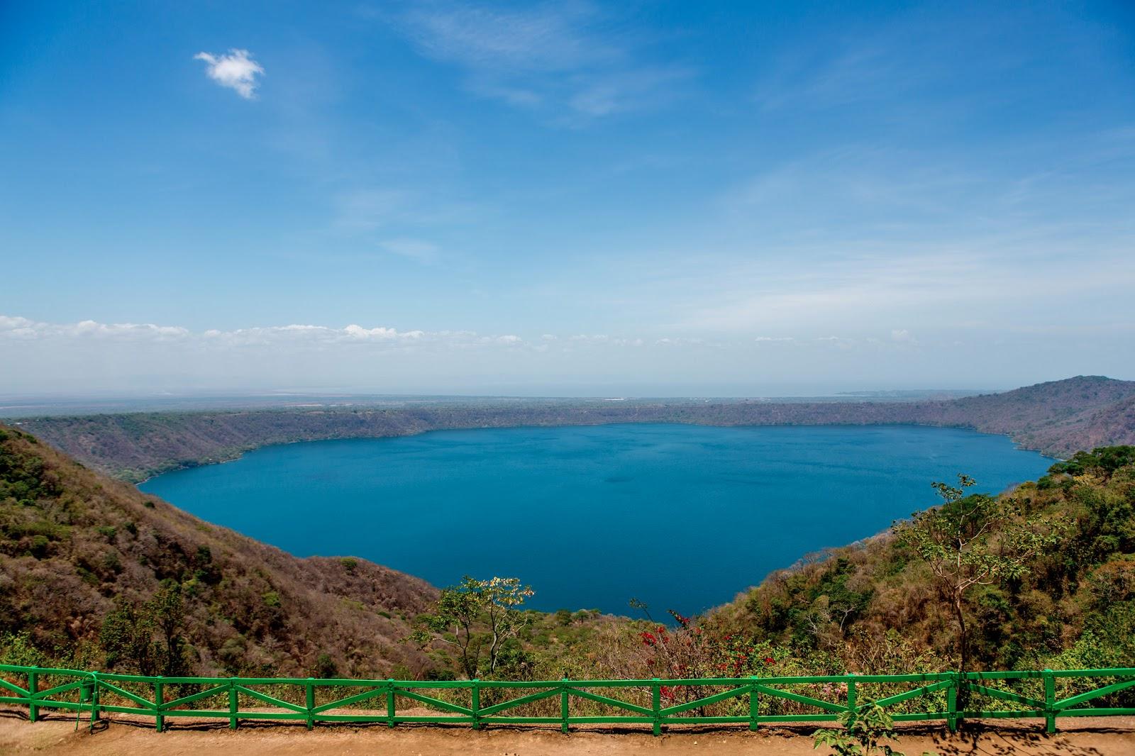 Crater Lagoon APOYO
