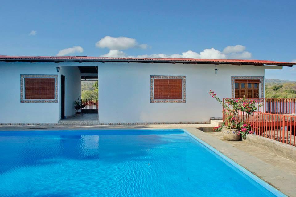 Granada isla grande casa y piscina