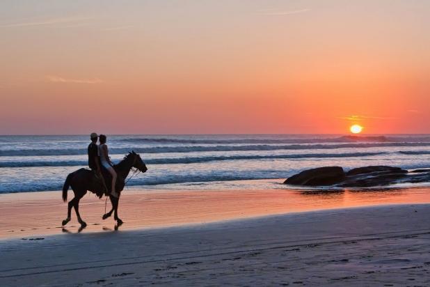 managua cabalgata tour playa pochomil